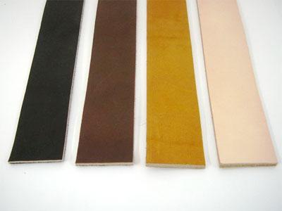 ステア(成牛原皮)をピット(タンニン槽)に長時間かけて鞣した革にオイルを入れ込んだ染料仕上げのオイル革。長く使われると、自然素材の深い味わいがあります。ロングセラー商品です。<br /><br />巾:40mm 厚み:3.5mm 長さ:150cm<br />鞣し・仕上げ加工:タンニン鞣し オイルスムース 素上げ 牛革