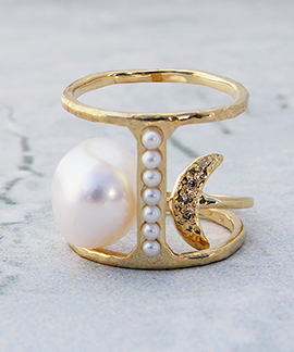No.0157  Tribe Pearl Ring と重ねられます。