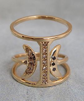 Serenity Ring と重ね付けができます。