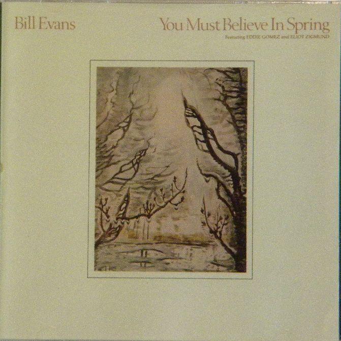 ビル・エヴァンスが亡くなってから発売した「ユー・マスト・ビリーブ・イン・スプリング」は存命中でしたら、もっと名盤として大きな評判を得たことと思います。その名盤「ワルツ・フォー・デビー」にも匹敵するほどの出来で、静かな佇まいで心に沁みます。是非一度聴いてみて下さい。美品。