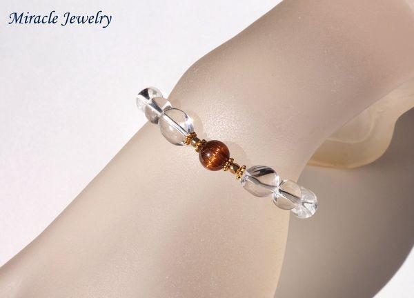 周りが丸珠のシンプルな一粒ブレスもイイけど、オシャレ好きな方にはちょっぴりひねりを効かせたデザインもgood♪
