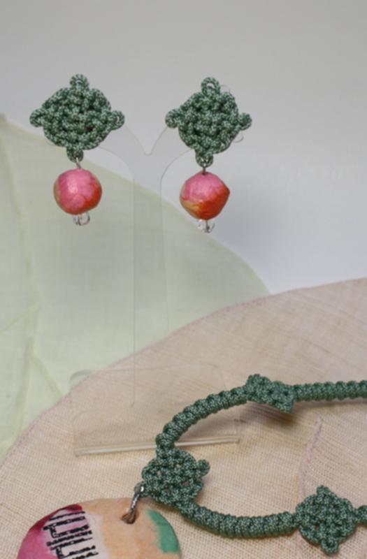 ネックレスとイヤリングのセット