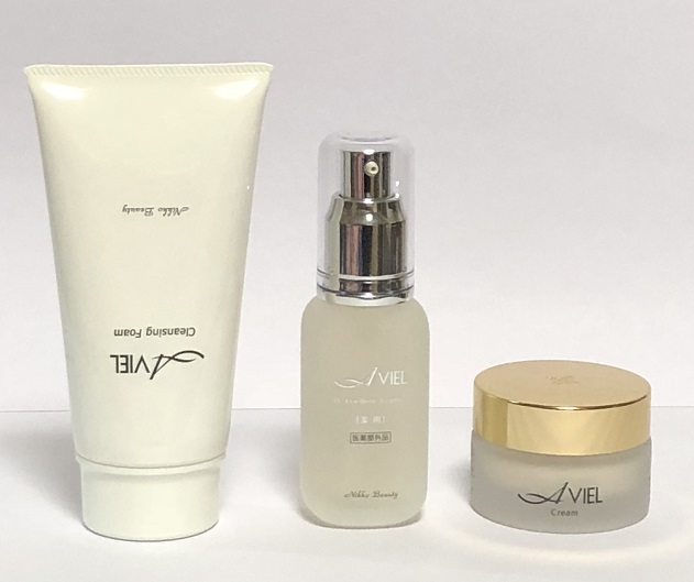 しっかり洗顔、美容液で丈夫な肌を回復し、クリームで角質層強化する。