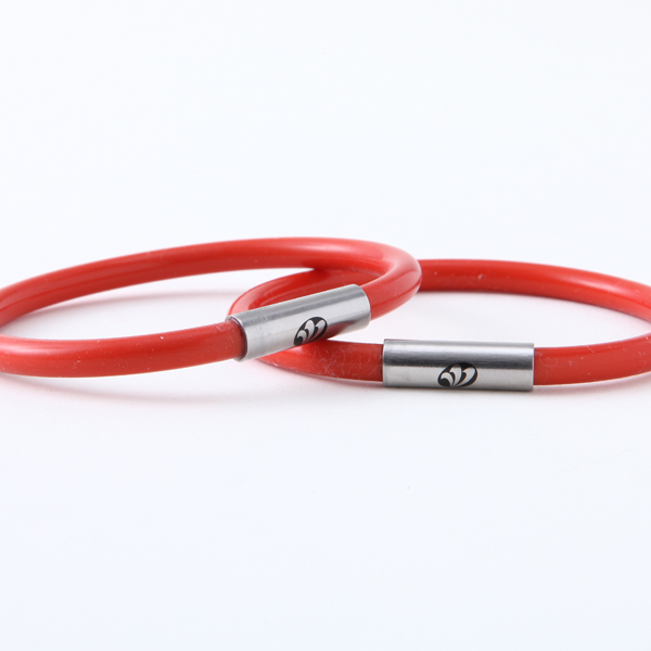 手首用シリコン製ブレスレット 赤