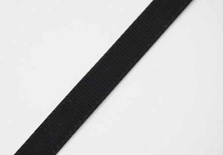 <p>幅10mmのグログランリボンです。</p><p>※両面タイプです</p><p>幅10mm/1mのお値段です。(1mカット済みとなる場合があります)</p><p>カラー:030ブラック,370ネイビー、028アンティークホワイト</p><p><br></p>