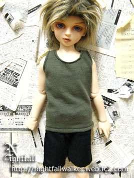 MSD男女共用 モデル:MSD男の子ボディ   備考(^-^) ・お人形・靴等は含みません。 ・喫煙者、ペットはおりません。 ・家庭用ミシンと手縫いで作成した、素人の趣味の手作り品です。 細かい作業の所は手縫いの箇所もあります。 ・ドレスは箱詰めではなく、透明の袋へ入れて紙バックでの郵送にしています。(シンプル梱包です。) ・撮影のとき、実際の色にできるだけ近くするように 致しましたが、モニターなどの環境による違いがあります、ご了承ください。 以上、ご理解いただきご購入をよろしくお願いします♪ ノーク レーム・ノーリターンでお願い致します。