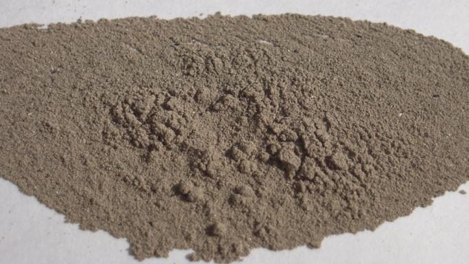 未精製の生灰ですが、完全乾燥です。