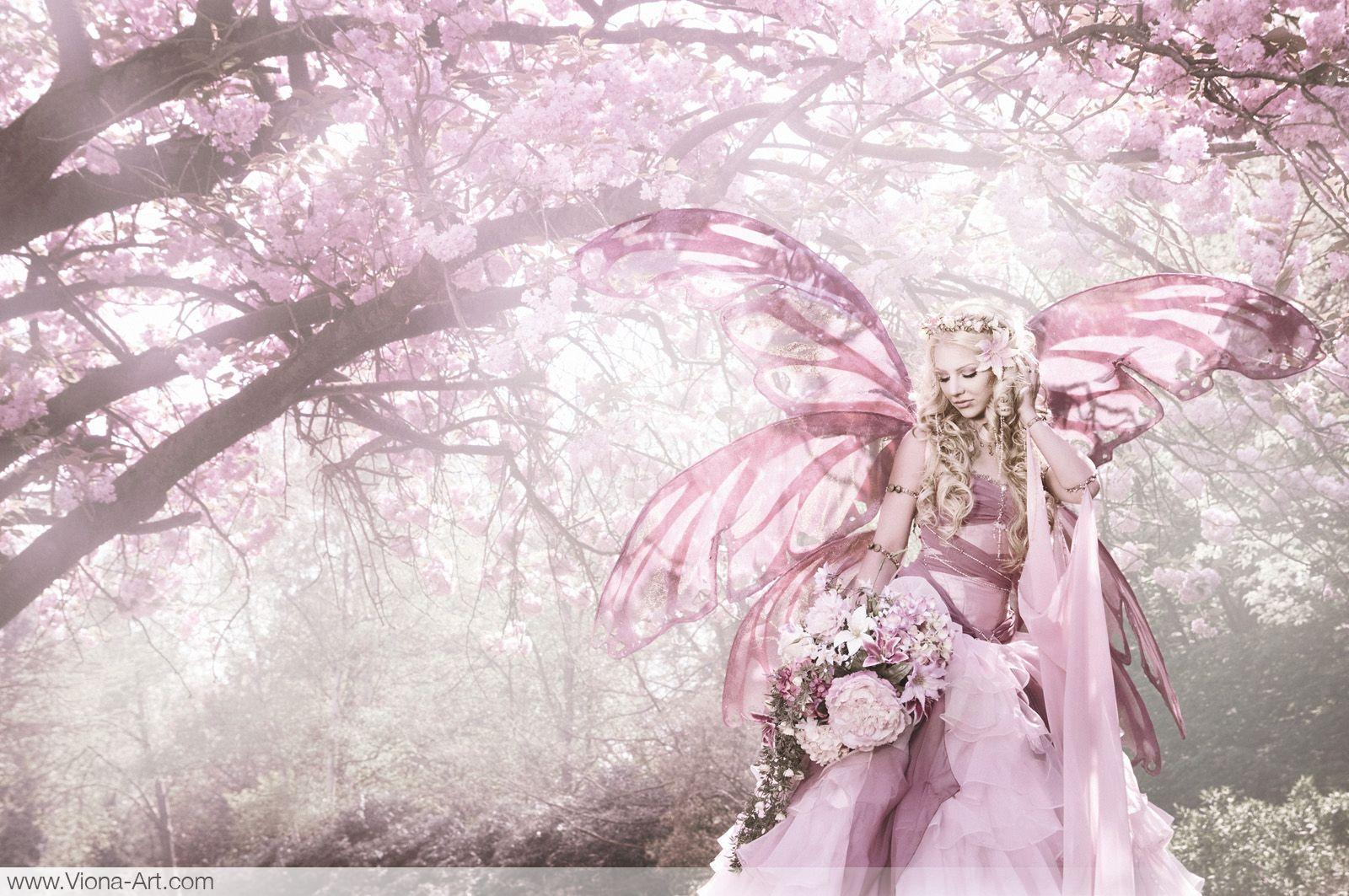 """<font color=""""#ff6600"""">大切な相手との恋愛を大天使が橋渡しをして、永遠なる愛へと成就します。幸せの風を吹かせ、太陽の光りにより愛の祝福を注ぎ、清らかな流れへと導きます。どんなに困難な恋愛も、相手があなた夢中になり幸せな恋愛へと昇華します。『永遠なる愛を授けるラブフェザー』の持ち主が望む愛へと導かれます。片想い、両想い、結婚、夫婦愛、復縁、不倫成就など様々なかたちを永遠なる愛で包みます。</font>"""