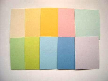 上段 左からアイボリー、クリーム、濃いクリーム、桃色、浅葱色 下段 左から鶯色、萌黄色、空色、ブルー、藤色