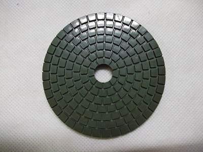 """80ミリ<A href=""""http://nsk.sakura.ne.jp/""""><FONT color=#000000> #3000 </FONT>http://nsk.sakura.ne.jp/</A><BR>ダイヤ☆キラリンシートは、ホットプレス金型成形により一枚一枚手作業により製造しています。石の切れ味を重視した、配合設定によりスムーズかつ滑らかな切れ味にしあげました。"""