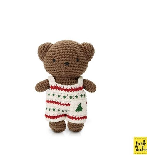 "<div style=""margin: 0px; padding: 0px; color: rgb(102, 51, 0); font-family: Verdana, Ariel, Helvetica, メイリオ, Meiryo, &quot;MS Pゴシック&quot;, sans-serif; font-size: 13px; background-color: rgb(255, 255, 255);""><font face=""Arial, Verdana"">Merry Christmas with Boris Bear""""</font></div><font face=""Arial, Verdana"" style=""color: rgb(102, 51, 0); font-size: 13px; background-color: rgb(255, 255, 255);"">クリスマスをイメージしたあみぐるみです。</font><div style=""margin: 0px; padding: 0px; color: rgb(102, 51, 0); font-family: Verdana, Ariel, Helvetica, メイリオ, Meiryo, &quot;MS Pゴシック&quot;, sans-serif; font-size: 13px; background-color: rgb(255, 255, 255);"">白地に赤とグリーンがていねいにあみこまれてかわいみひ。<br><div style=""margin: 0px; padding: 0px; font-size: 10pt;""><br></div><div style=""margin: 0px; padding: 0px;""><div style=""margin: 0px; padding: 0px;""><font face=""Arial, Verdana""><span style=""font-size: 13.3333px;"">オランダジャストダッチ社</span></font></div><div style=""margin: 0px; padding: 0px;""><br></div><div style=""margin: 0px; padding: 0px;""><font face=""Arial, Verdana""><span style=""font-size: 13.3333px;"">①オーバーオール着用あみぐるみ</span></font></div><div style=""margin: 0px; padding: 0px;""><font face=""Arial, Verdana""><span style=""font-size: 13.3333px;"">②オーバーオール(洋服)のみ</span></font></div><div style=""margin: 0px; padding: 0px;""><font face=""Arial, Verdana""><span style=""font-size: 13.3333px;""><br></span></font></div><div style=""margin: 0px; padding: 0px;""><font face=""Arial, Verdana""><span style=""font-size: 13.3333px;"">サイズ 約</span></font></div><div style=""margin: 0px; padding: 0px;""><span style=""font-size: 13.3333px; font-family: Arial, Verdana;"">①高さ 20cm、幅15cm、厚み7cm</span><br></div><div style=""margin: 0px; padding: 0px;""><font face=""Arial, Verdana""><span style=""font-size: 13.3333px;"">重さ 100g</span></font></div><div style=""margin: 0px; padding: 0px;""><font face=""Arial, Verdana""><span style=""font-size: 13.3333px;""><br></span></font></div><div style=""margin: 0px; padding: 0px;""><font face=""Arial, Verdana""><span style=""font-size: 13.3333px;"">②高さ8cm "