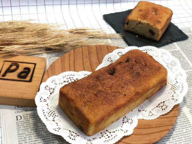 米粉とおからのケーキです。ドライフルーツ3種類入り