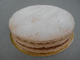アイスケーキとして、解凍後は生菓子としてお召上がりください。