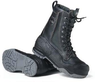 ポリウレタン加工皮革製。<br />耐久性に優れた防水新開発ポリウレタンのソールが靴の上部までカバー。<br />28.0と29.0は入荷までお時間をいただきます。
