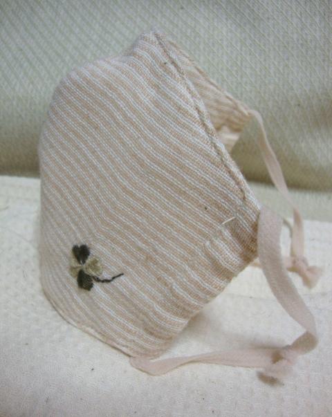 パノコトレーディングの、非常に上質なオーガニックコットン生地を使用して作った立体マスクです。
