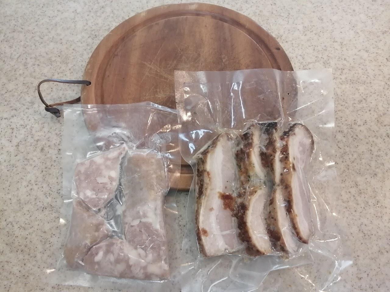 豚バラ200ℊ&リングイッサ(ソーセージ)200g梱包例