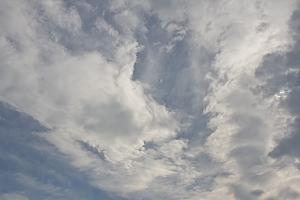 天使があらわれた朝の空