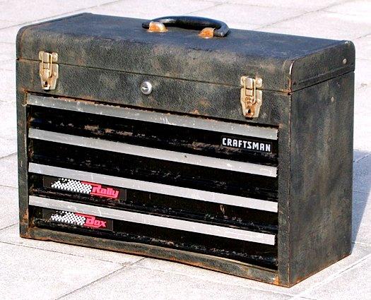 シャビーなアメリカミッドセンチュリー('50s-'60s)ヴィンテージのCRAFTSMAN製のツールボックス(工具箱)です。