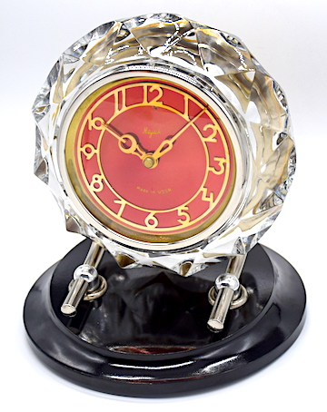 """旧ソ連・SERDOBSK CLOCK FACTORYのガラス枠置時計『Majak』、1970年頃に製造された物です。<div><b><font color=""""#ff0000"""">通常販売価格 7,500円→</font></b><br></div>"""