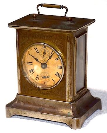 精工舎の角形目覚時計、大正時代末頃に製造された物です。