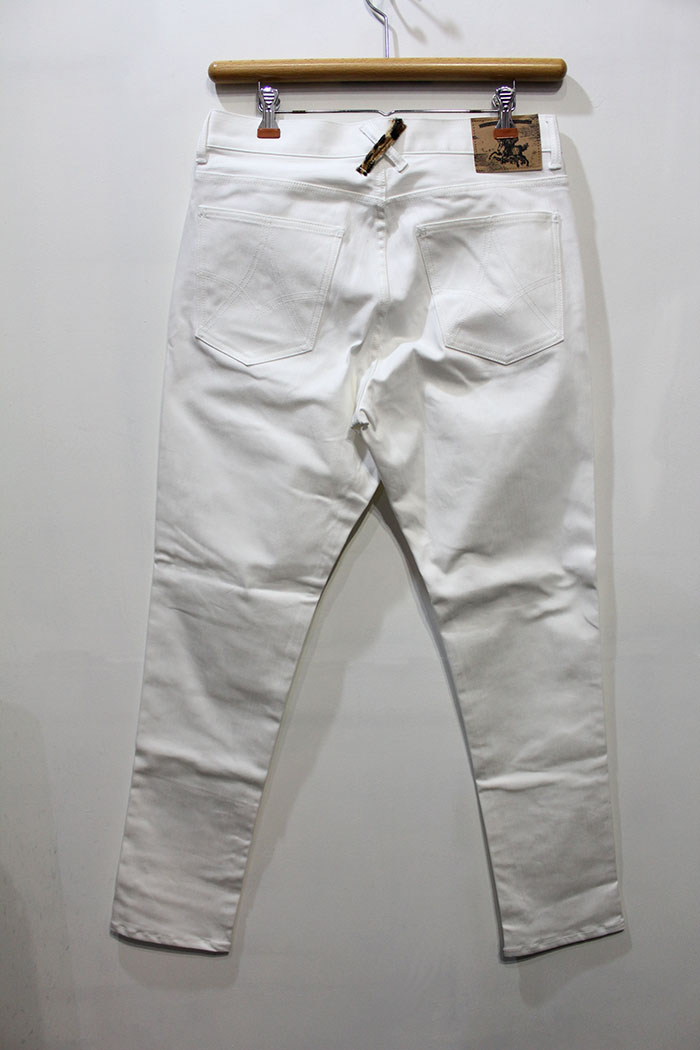 WHITE(Back Style)