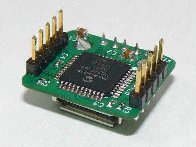 PIC24FJ64GB004が搭載されています