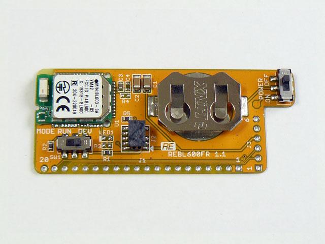 コイン電池ホルダが搭載されています。(動作確認用にCR2032電池が付属します)