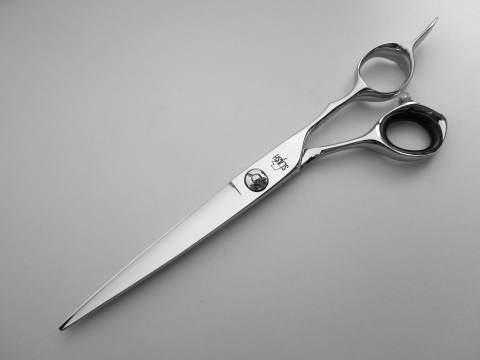 6.5インチ<br>カット鋏<br><br>全  長  185mm<br>刃 渡 り    76mm<br>重  量   59g <br>材  質  コバルト合金 <br>刃の形状  静刃/はまぐり刃 <br>      動刃/はまぐり刃 <br>