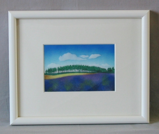 富良野のラベンダー畑を思い起こさせます。無線七宝です。