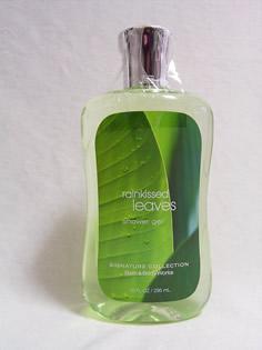 シャワージェルです。<br />やわらかな雨に包まれた森の中にいるような、スッキリとしたグリーン系の香りです。<br />