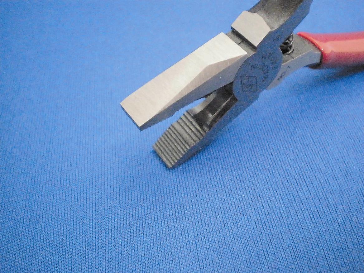 切断能力 銅線:2.0mmまで ヨリ線:2.0mmまで 軟鉄線:1.2mmまで