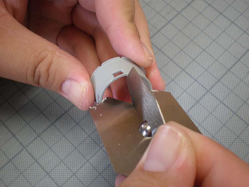 極広円形開口部の微細面取り加工に!