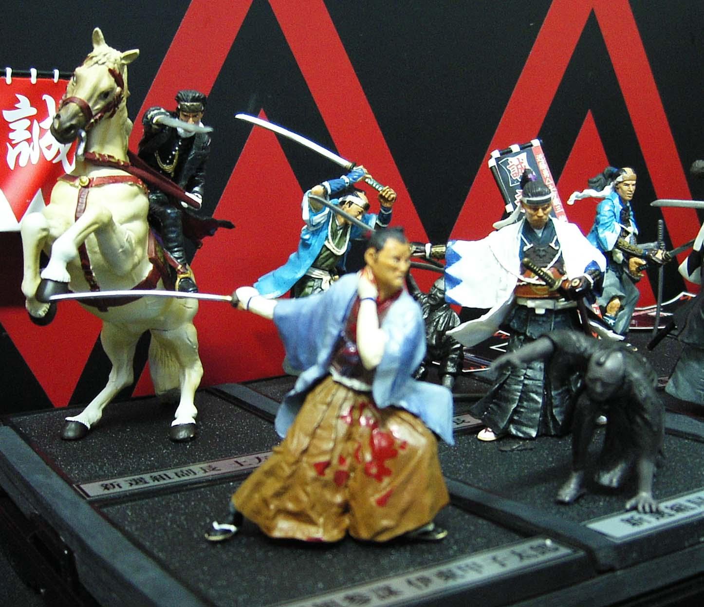 左前の伊東甲子太郎はシークレット製品です。