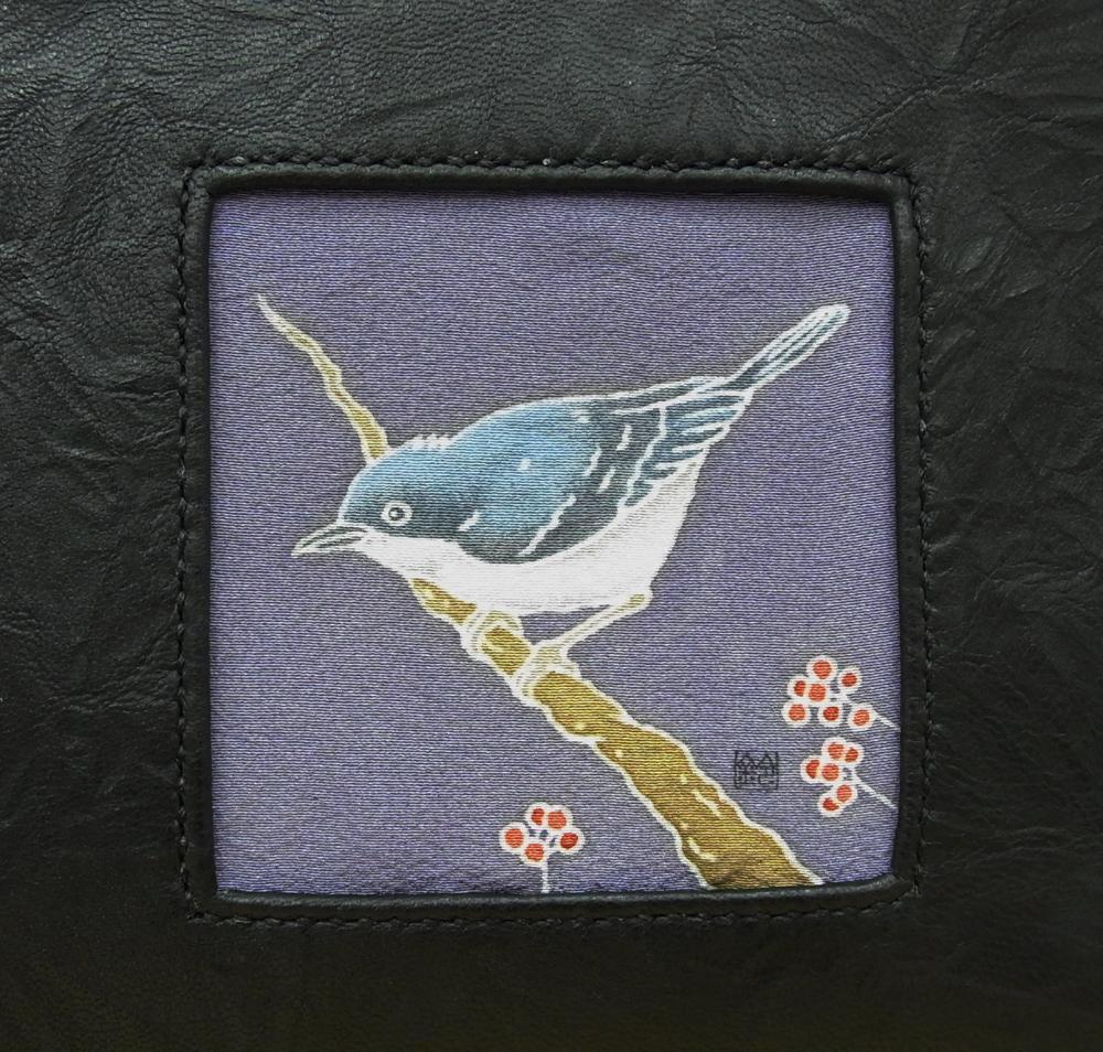 シアワセの青い鳥、コルリ。