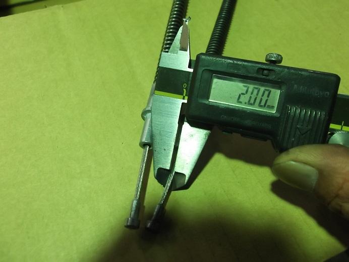純正および他社社外品も2.0mmです。