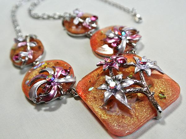 お花のネックレスとピアスセット(送料込)