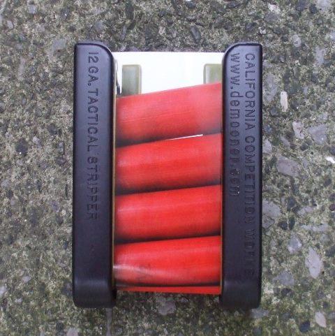 <b>メーカー:California Comp. Works<br><br>ショットシェルを4発携帯できるポーチ<br>マルゼンカート、タナカカート使用できます。 ※マルイショットシェルマガジン非対応<br></b>