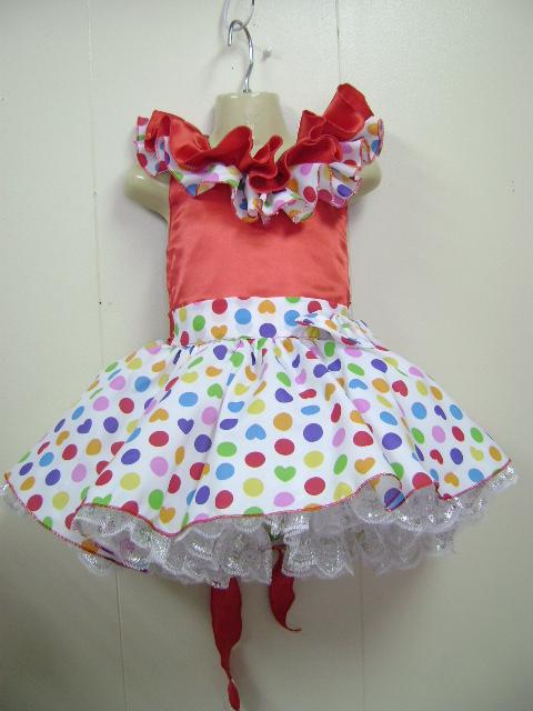 <p>このドレスは、手作りです。水玉の間にハートが混じっている柄がとてもかわいいです。</p><p>イベントやお遊戯会に最適です。 写真の色は実物と多少異なっています。 実物はとて</p><p>も綺麗です。 多数のご注文もご相談に応じます。</p>