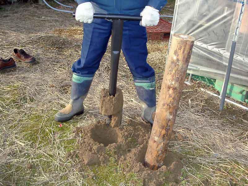 大きい穴の、穴掘り作業が簡単に出来ます。