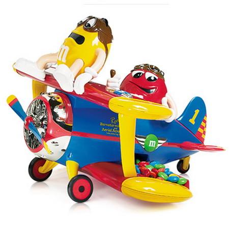 <b>M&amp;M'Sのキャラクターが飛行機のパイロットになったディスペンサーです。</b>