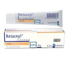 """<font face=""""Arial, Verdana""""><span style=""""font-size: 13.3333px;"""">トレチノインとは、ビタミンA(レチノール)の誘導体で、ビタミンAの50-100倍の生理活性を有しています。トレチノイン(レチノイン酸)は米国ではしわ・ニキビの治療医薬品としてFDAに認可されており、非常に多くの患者さんに皮膚の若返り薬として使用されています。もともと血液中にごく微量流れているものなので、アレルギーを起こすことはありません。この肌再生効果のあるトレチノインと、協力な漂白作用のあるハイドロキノン、美白効果のある吸収型ビタミンCローションを組み合わせて治療を進めていきます。</span></font><div><font face=""""Arial, Verdana""""><span style=""""font-size: 13.3333px;""""><br></span></font></div><div><font face=""""Arial, Verdana""""><span style=""""font-size: 13.3333px;"""">レチンAクリームの成分と同じトレチノイン含有です。</span></font></div><div><font face=""""Arial, Verdana""""><span style=""""font-size: 13.3333px;"""">肌再生を促進する若返りクリームです。</span></font></div><div><font face=""""Arial, Verdana""""><span style=""""font-size: 13.3333px;"""">ご使用の目安は外部サイトをご覧になって下さい。</span></font></div><div><font face=""""Arial, Verdana""""><span style=""""font-size: 13.3333px;""""><br></span></font></div><div><font face=""""Arial, Verdana""""><span style=""""font-size: 13.3333px;""""><div style="""""""">- 皮膚の角質をはがす。</div><div style="""""""">- 表皮の細胞をどんどん分裂・増殖させ、皮膚の再生を促す(ターンオーバー活性)。</div><div style="""""""">- (その際表皮の深い層にあるメラニン色素を外に押し出します!)</div><div style="""""""">- 皮脂の分泌を抑える。</div><div style="""""""">- コラーゲンの分泌を高め、皮膚の張り・こじわの改善をもたらす。</div><div style="""""""">- 表皮内の粘液性物質の分泌を高め、皮膚をみずみずしくする。</div><div style=""""""""><br></div><div style="""""""">ご使用時に当方でも扱っておりますヒルドイドフォルテクリーム、デラニンクリームとの併用で効果がより期待できます。</div><div style="""""""">※紫外線対策は念を入れて対策して下さい、対策を怠ると逆効果になる場合も御座います。</div><div style=""""""""><br></div><div style="""""""">ご使用時に問題等がありましたら掛かりつけの医師へご相談下さいませ。</div><div style=""""""""><br></div></span></font></div>"""