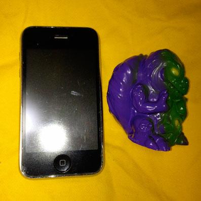 【大きさ参考】iPhoneと一緒