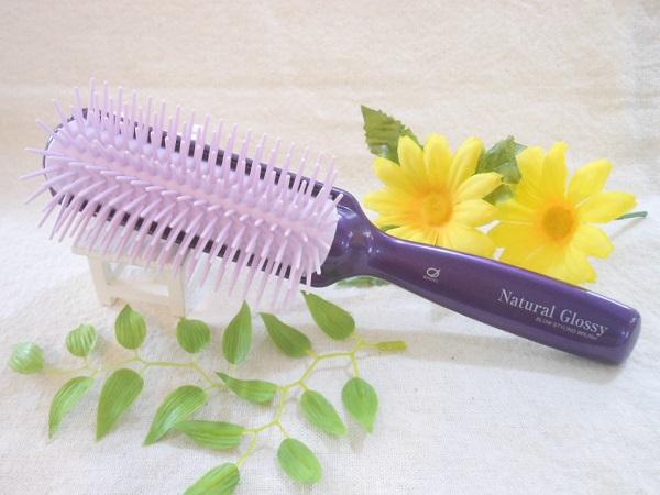 <p>ホホバオイル・アルガンオイルが配合された、美髪ブラシ!</p><p><br></p><p><br></p>