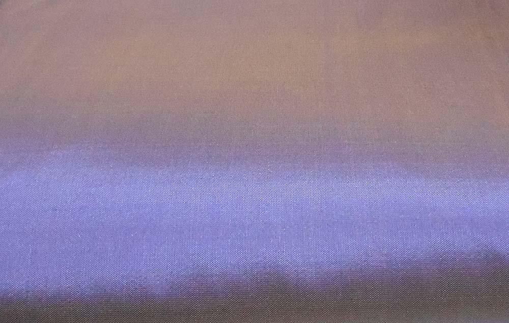 <b>藤色、ラベンダー色といった淡い青紫色の光沢のあるタイシルクです。</b>