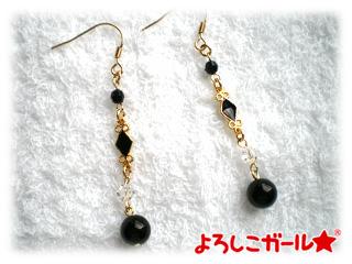 オニキスとダイヤのピアス(ゴールド)