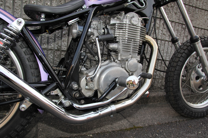 SR400/500 ミッドハイステップKIT パーカライズ ボルトオン
