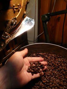 女性に大人気!カフェインだけを抜いたコーヒー