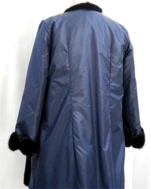 シルクタフタ/ダークミンクライニングコート 背面