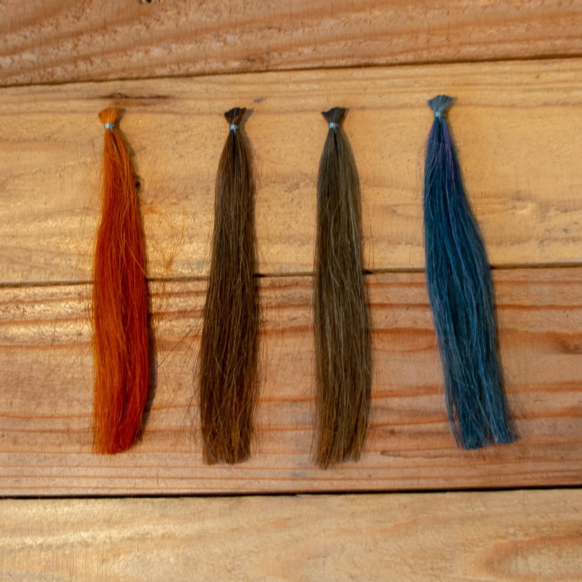 左から2番目ハーバルブラウン白髪染
